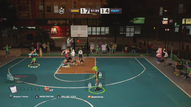 iQueeniexox playing 3on3 FreeStyle